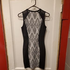 """H & M """"Divided"""" Womens form fitting dress size 6"""